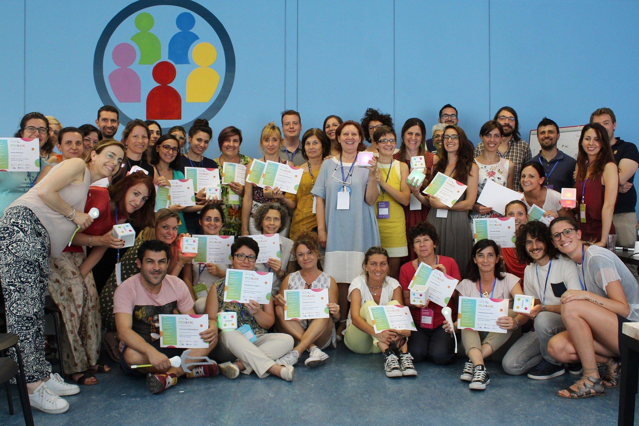 I corsisti della prima sperimentazione MOSAIC e il team, nella foto ricordo al termine della sperimentazione in presenza del giugno 2019
